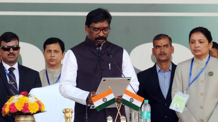 ஜார்கண்ட் மாநிலத்தின் 11வது முதல்வராக பதவியேற்றார் ஹேமந்த் சோரன்..!