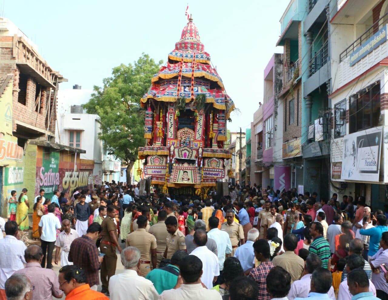 வரலாற்று சிறப்பு பெற்ற அருள்மிகு நாகர்கோவில் நாகராஜா கோயிலில் தேரோட்டம்