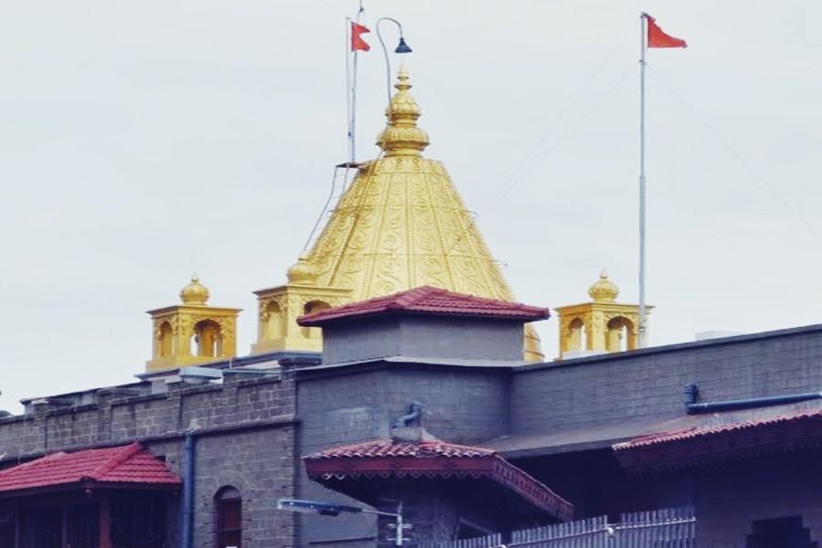 கொரோனா அச்சுறுத்தல்- சபரிமலை மற்றும் ஷீரடி சாய்பாபா கோவில்களில் பக்தர்கள் வருகைக்கு தடை..!!!