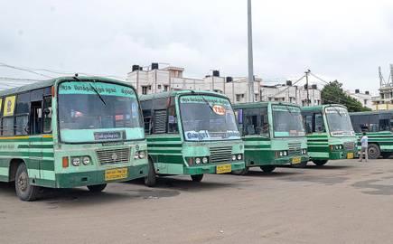 நான்கு மாவட்டங்கள் தவிர மற்ற பகுதிகளில் 50 சதவீத பேருந்துகள் இயக்கப்படும் – தமிழக அரசு.!