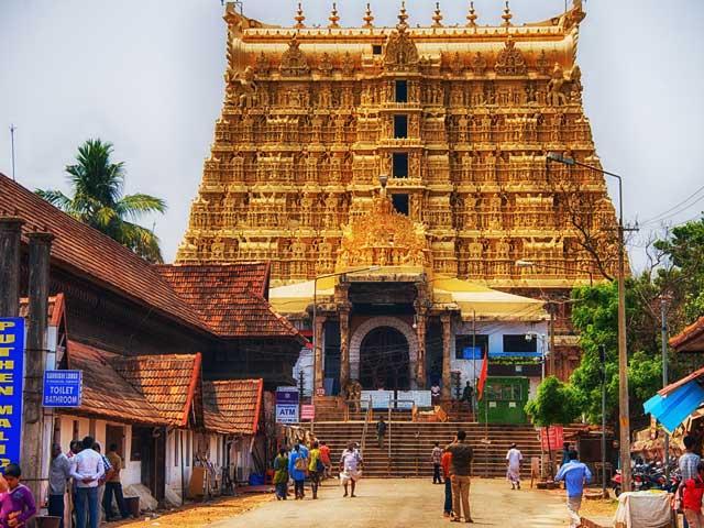 76 நாட்களுக்கு பிறகு கட்டுப்பாடுகளுடன் கேரளாவில் வழிபாட்டு தலங்கள் திறப்பு..!!