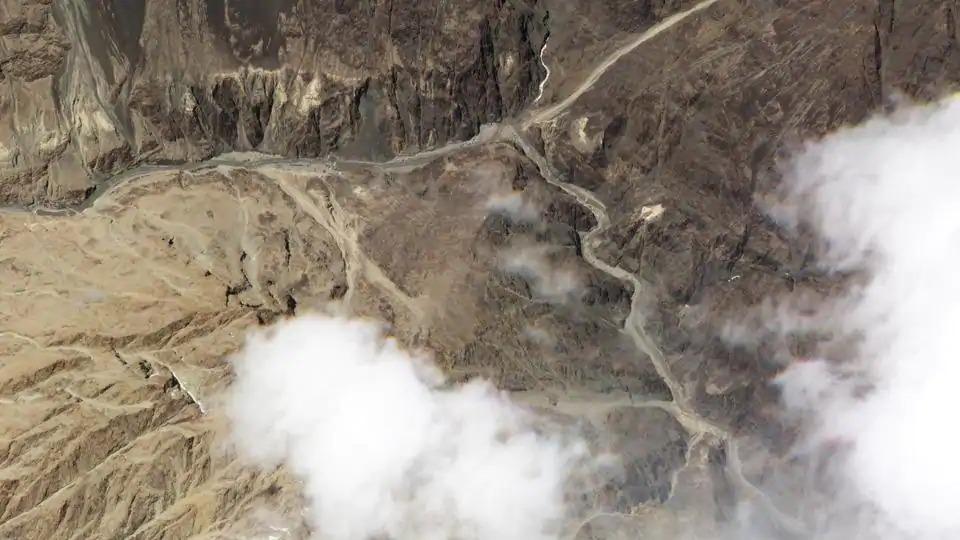 கல்வான் ஆற்றில் வெள்ளப்பெருக்கு – சிக்கலில் மாட்டிக் கொண்ட சீன இராணுவம்-