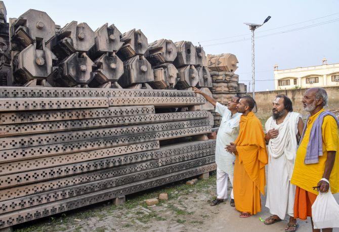 ராமர் கோவில், முழுக்க முழுக்க கற்களால் மட்டுமே கட்டப்படும்..?