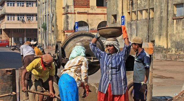 தொழிலாளர் நலன் சீர்திருத்த வரைவு விதிகள் வெளியீடு : 45  நாட்களுக்குள் ஆட்சேபனைகளை தெரிவிக்கலாம்