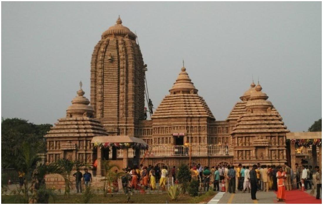 புகழ்பெற்ற  பூரி ஜெகந்நாதர் கோயில் 9 மாதங்களுக்கு பின் மீண்டும் திறக்கப்பட்டது .!