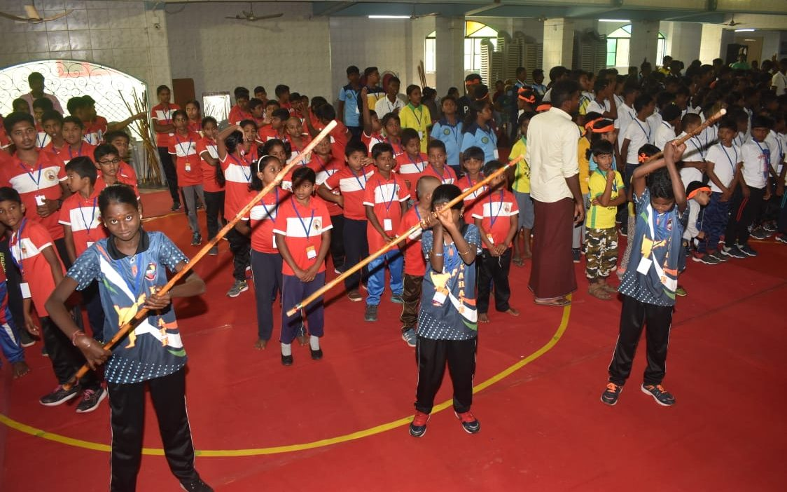 மாநில அளவிலான சிலம்பப் போட்டி 15 மாவட்டத்தைச் சேர்ந்த 500 க்கும் மேற்பட்ட வீரர்கள் பங்கேற்பு.!