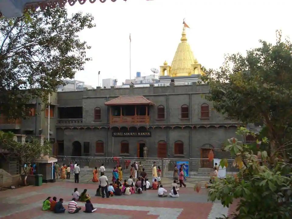 கொரோனா பரவல் ; ஷீர்டியில் உள்ள சாய்பாபா கோவில் மூடல்.!