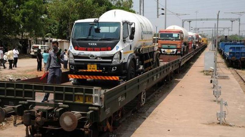 ஆக்சிஜன் எக்ஸ்பிரஸ் ரயில்கள் மூலம் தமிழகத்திற்கு  3972  மெட்ரிக் டன் ஆக்சிஜன் விநியோகம்..!