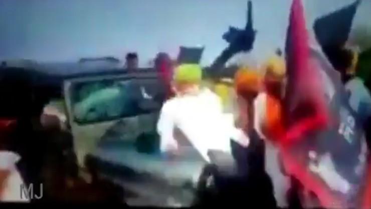 புதிய வேளாண் சட்டங்களுக்கு எதிராக போராடிய விவசாயிகள் மீது கார் மோதிய  வீடியோ வெளியானது.!